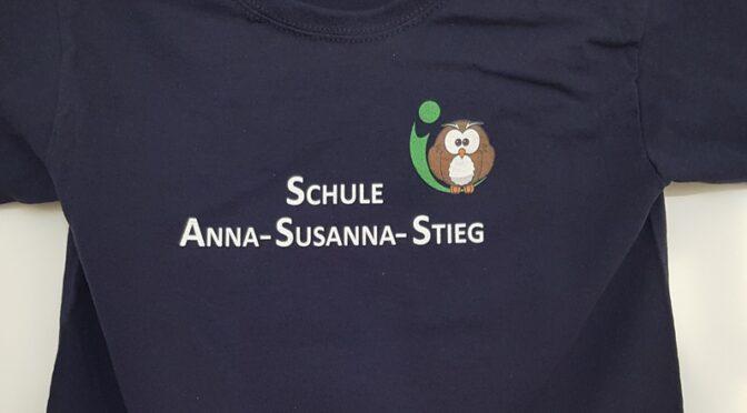 Neue Schul T-Shirts